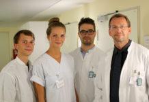 Anja Sophie Gabler hat ihre Forschungsergebnisse zusammen mit Dr. Thomas Winkens (li.), Christian Kühnel und Privatdozent Dr. Martin Freesmeyer (re.) publiziert. Foto: UKJ